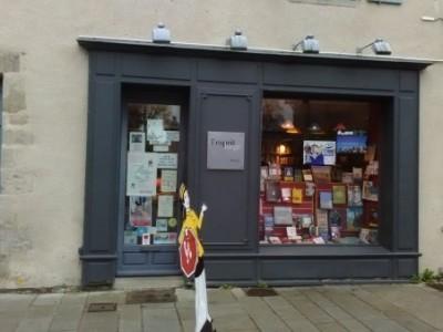 Retrouvez Banquises et Comètes à Esprit Large à Guérande